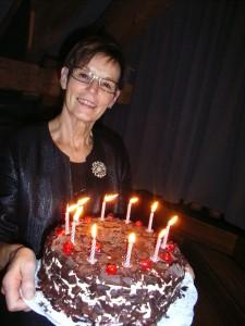 Maria mit Torte
