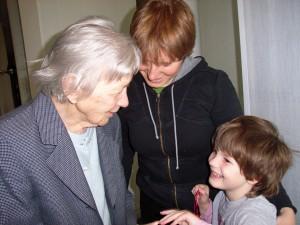 Urgroßmutter, Enkelin und Urenkelin